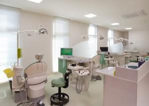 15 診察・処置室 4 (800x571)